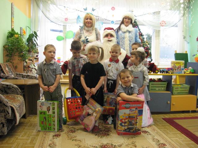дети из детского дома, дошкольный дет дом, с новым годом детей сирот
