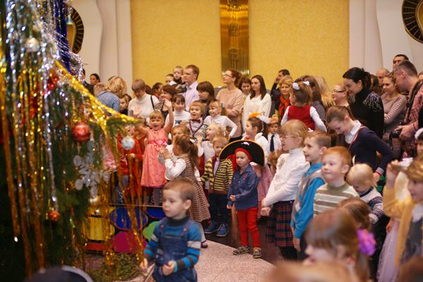 новый год для детей из детсткого дома