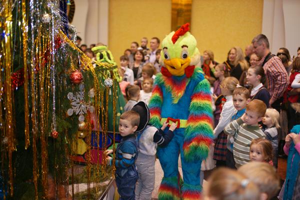 новогодняя елка для детей из детского дома